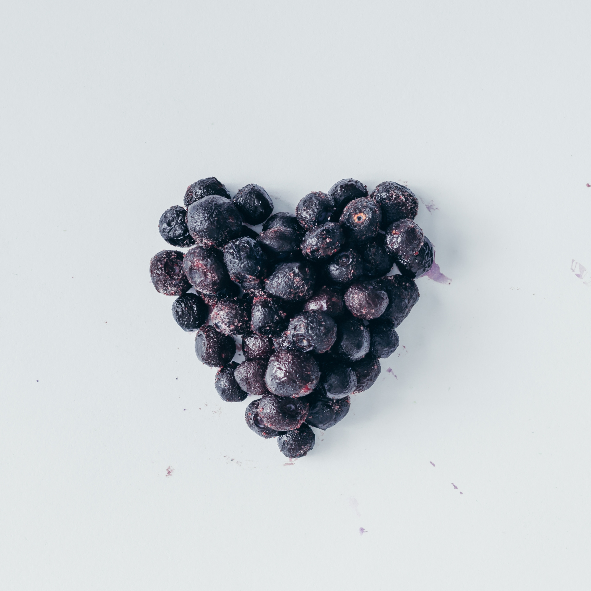 Melbourne-Brunswick-Naturopath-healthy-eating-blueberries-heart